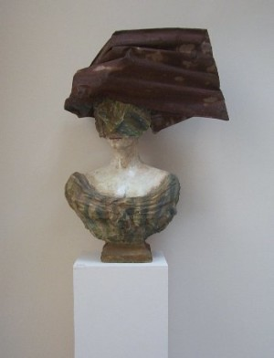 dianne_coulter_260207_english_rose_meets_australian_outback_ceramic_australian_sculpture_art