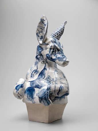 stephen-bowers-bust-of-roo-ceramic-web