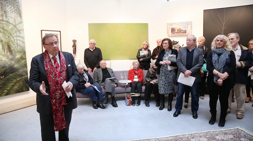 Harold Mitchell at opening of LDFA Collectors' Exhibition 2016