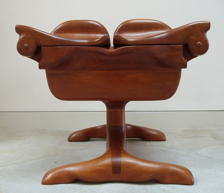 A Three Legged Box Was Auctioned And Quickly Surpassed The Panels Estimates Abcau Tv Collectors Segments S2881177htm