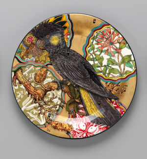 Camouflage-series_Serving-plate Yellow Tailed Black Cockatoo